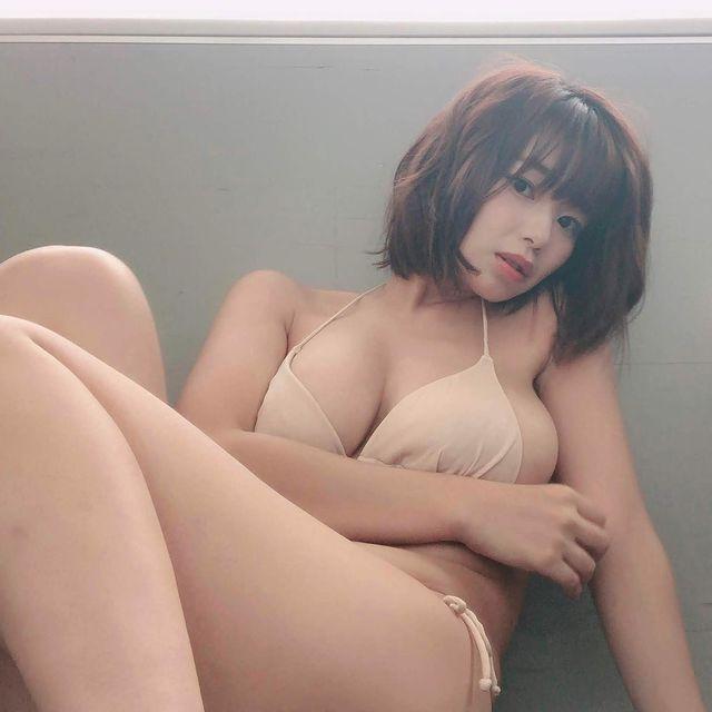 Quy tụ dàn hot girl vòng một khủng làm clip review suối nước nóng, nữ YouTuber gây sốc nặng với con số lượt xem - Ảnh 8.