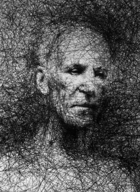 """Vẽ graffiti bằng bút bi, nam hoạ sĩ khiến người xem """"nổi da gà với những bức tranh kỳ quái - Ảnh 8."""