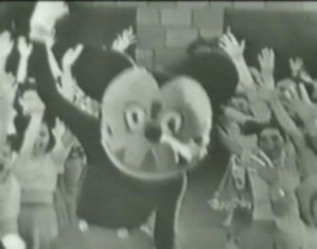 Loạt ảnh chuột Mickey với bộ hàm kinh dị 66 năm trước gây sốc MXH, leo cả hot search bên Trung - Ảnh 3.