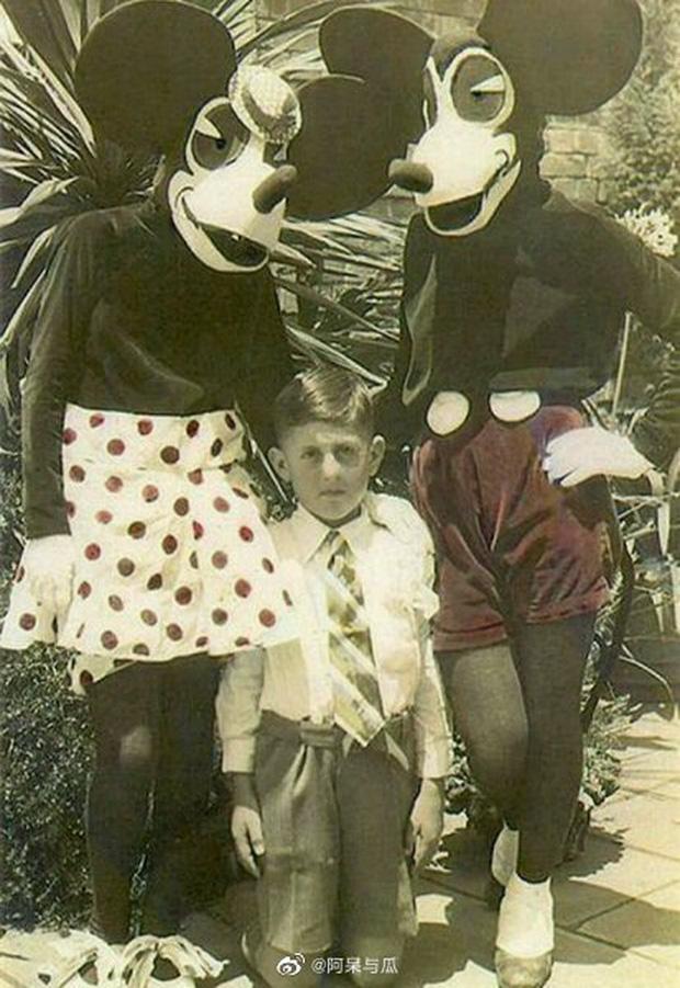 Loạt ảnh chuột Mickey với bộ hàm kinh dị 66 năm trước gây sốc MXH, leo cả hot search bên Trung - Ảnh 8.