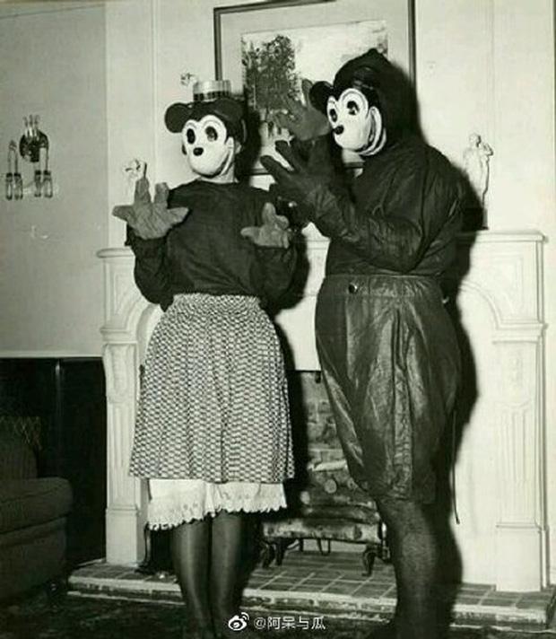 Loạt ảnh chuột Mickey với bộ hàm kinh dị 66 năm trước gây sốc MXH, leo cả hot search bên Trung - Ảnh 11.