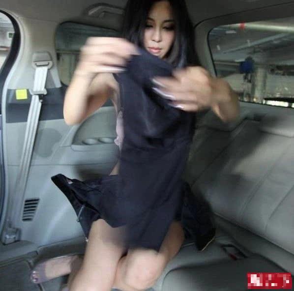 Lộ khoảnh khắc thay đồ nhạy cảm trên ô tô, nàng hot girl khiến CĐM hoang mang, không hiểu chiêu trò hay tai nạn - Ảnh 3.