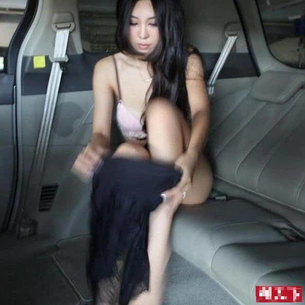 Lộ khoảnh khắc thay đồ nhạy cảm trên ô tô, nàng hot girl khiến CĐM hoang mang, không hiểu chiêu trò hay tai nạn - Ảnh 5.