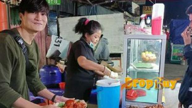 Anh bán cơm tự dưng nổi tiếng vì giống Lee Min Ho, khách nữ đến nườm nượp chỉ để ngắm - Ảnh 6.