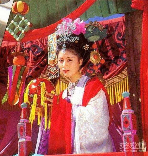 7 đại mỹ nhân Tây Du Ký nức tiếng một thời, 35 năm vẫn còn thương nhớ Tây Lương nữ vương - Ảnh 1.