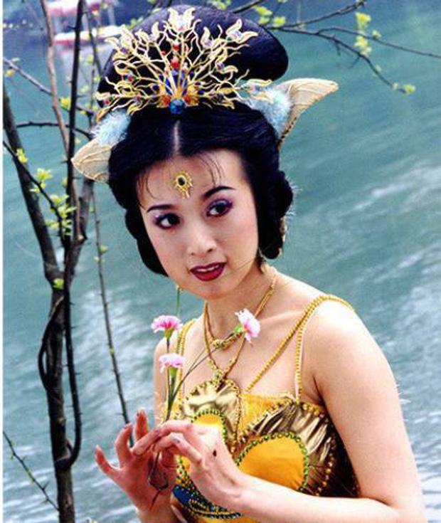 7 đại mỹ nhân Tây Du Ký nức tiếng một thời, 35 năm vẫn còn thương nhớ Tây Lương nữ vương - Ảnh 3.