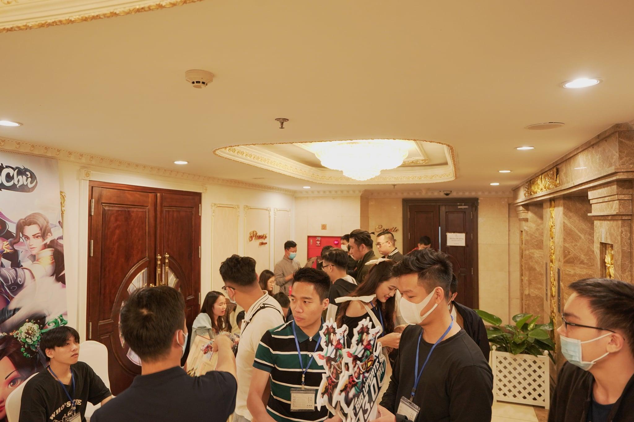 """Game thủ """"quẩy"""" hết mình trong Offline Tân Minh Chủ 2 miền Nam - Bắc: Game vừa hay vừa đông, xin ủng hộ dài dài - Ảnh 2."""