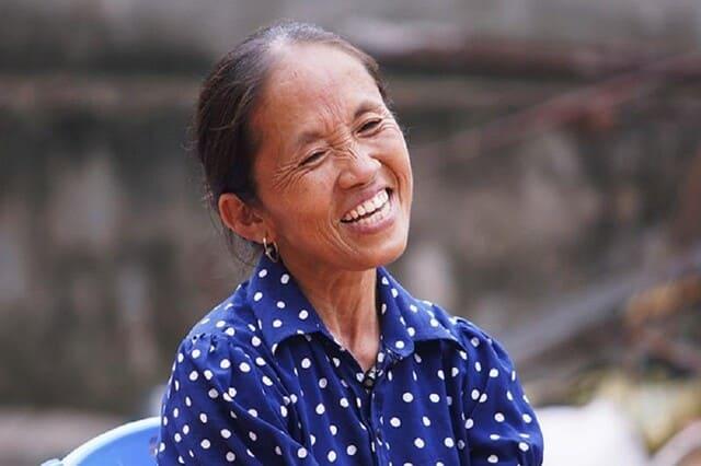 Làm Vlog giữa thời kỳ nhạy cảm, Bà Tân gây tranh cãi dữ dội vì điều cấm kỵ này - Ảnh 1.