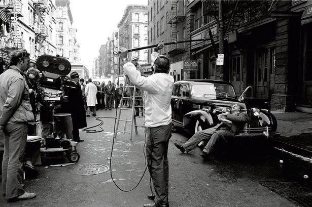 Muốn cày phim lần nữa khi nhìn lại hình ảnh hậu trường phim Bố Già (1972), đúng là đỉnh của chóp - Ảnh 8.