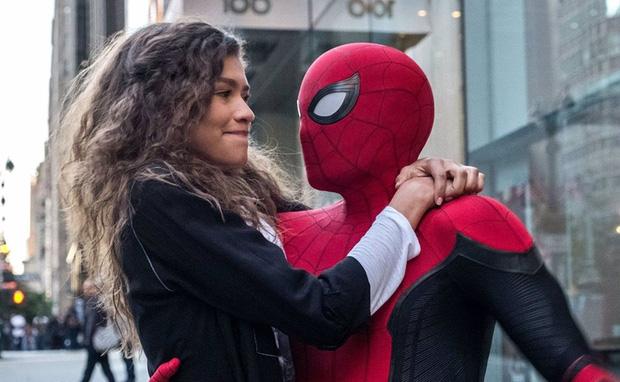 Tom Holland (Spider-Man) lộ ảnh bị đánh tơi tả và bầm dập, Marvel đang làm gì vậy? - Ảnh 1.