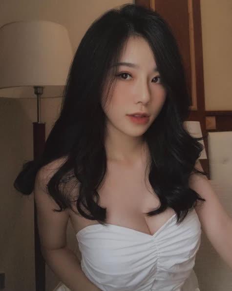 nữ MC Minh Anh sẵn sàng bước lên bất cứ chương trình nào -1619960202500158490204
