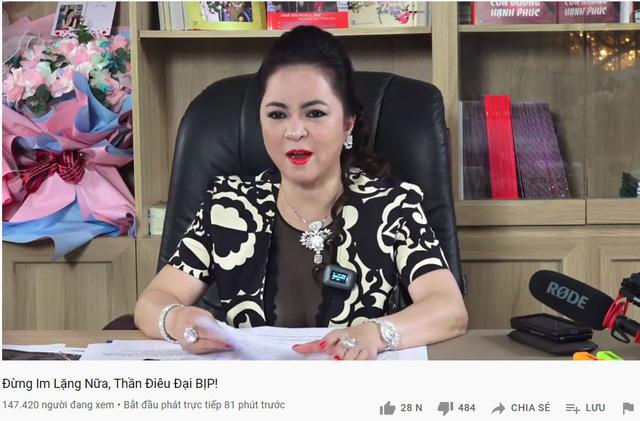 Xem stream bà Phương Hằng, Thầy Giáo Ba nhắc nhẹ 300 triệu tiền từ thiện gửi cho NS. Hoài Linh, Zeros ôm mộng unban - Ảnh 1.