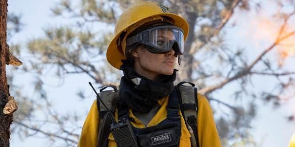 Năm tựa phim thảm họa tự nhiên đầy kịch tính khiến người xem vừa thót tim, vừa xúc động - Ảnh 5.