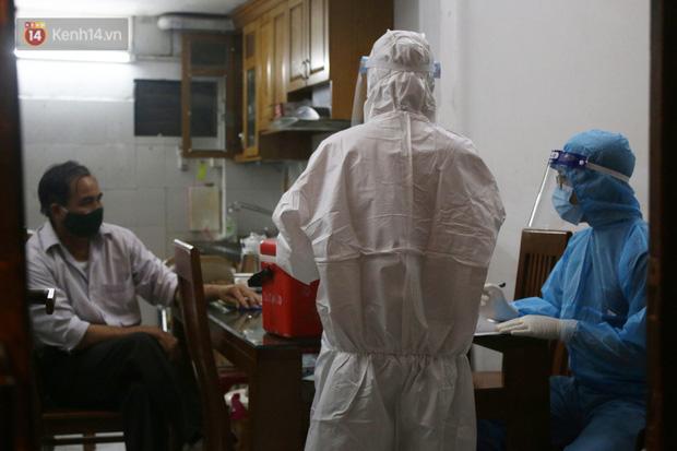 Hà Nội: Nam bác sĩ tại 1 bệnh viện trung ương dương tính với SARS-CoV-2, F1 ở rất nhiều quận huyện - Ảnh 3.