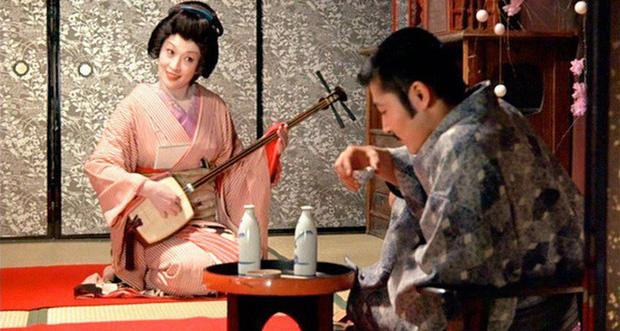 Vụ án sát nhân geisha đầy biến thái từng gây tranh cãi khi được đưa lên phim 18+ của Nhật Bản - Ảnh 2.