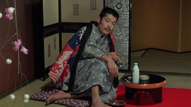 Cảnh nóng thật 100% hại đời nữ chính xứ Nhật: Bị cả nước tẩy chay đến bỏ xứ rồi qua đời, số phận nam chính gây tranh cãi - Ảnh 18.