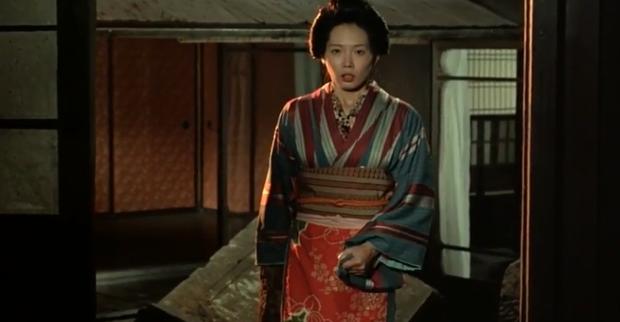 Cảnh nóng thật 100% hại đời nữ chính xứ Nhật: Bị cả nước tẩy chay đến bỏ xứ rồi qua đời, số phận nam chính gây tranh cãi - Ảnh 9.