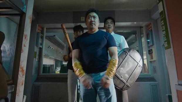 5 cảnh ghê rợn nhất dòng phim xác sống: Ói ra nội tạng chưa đáng sợ bằng ân ái với zombie - Ảnh 2.