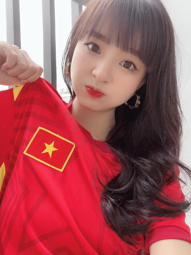 """Tuyển nhà chính thức đoạt vé dự vòng loại thứ 3 World Cup 2022, loạt hot girl làng game có hành động """"ăn mừng"""" độc đáo - Ảnh 6."""