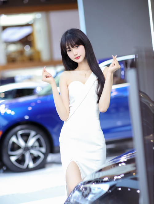 Bị tung clip quấy rối nơi công cộng, nàng người mẫu vô danh bỗng hóa hot girl vì quá mức xinh đẹp - Ảnh 3.