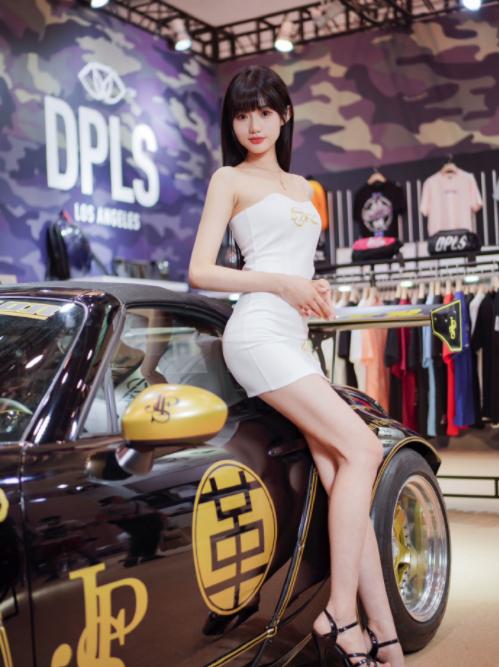 Bị tung clip quấy rối nơi công cộng, nàng người mẫu vô danh bỗng hóa hot girl vì quá mức xinh đẹp - Ảnh 5.