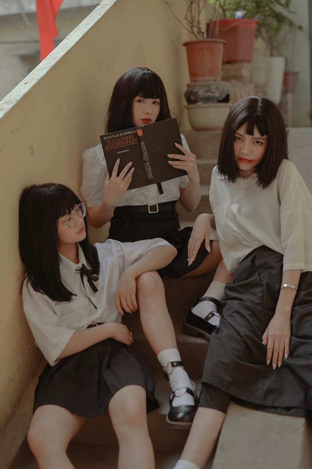 Nhiều lần xuất hiện cạnh chị em streamer Quỳnh Alee và Gấm Kami, nàng hot girl lạ gây chú ý - Ảnh 3.