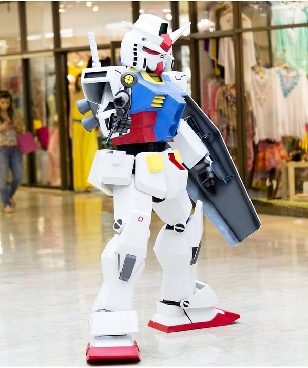 Xuất hiện bộ giáp mô phỏng Gundam phiên bản đời thực, người thường có thể mặc vào là hóa robot như trong phim - Ảnh 4.
