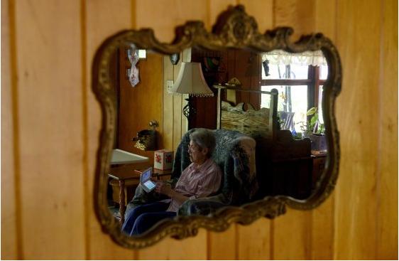 88 tuổi vẫn chơi game hơn 3.500 giờ, game thủ bá đạo tự tin: Càng về già chúng ta càng dành nhiều thời gian cho game hơn - Ảnh 1.