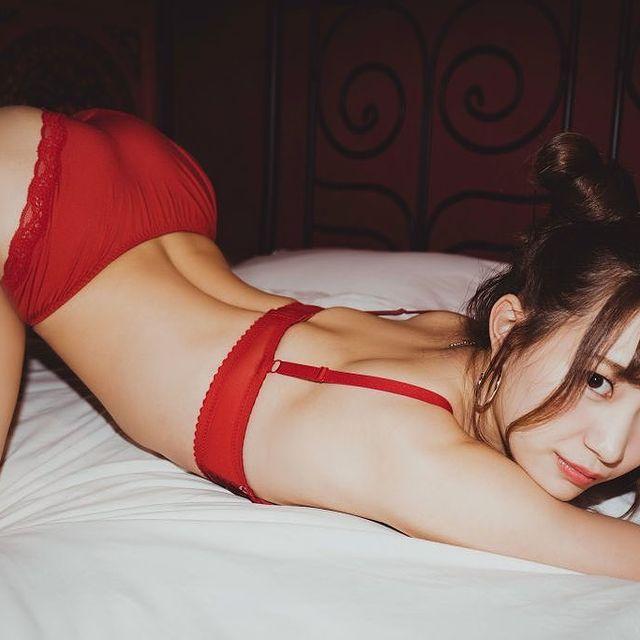 Ngắm nhan sắc Akari Mitani, mỹ nữ 18+ chân dài xinh đẹp của người Nhật - Ảnh 11.
