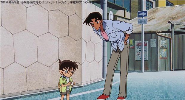 Hattori cao đến 1m74, khiến Conan trông còn nhí hơn