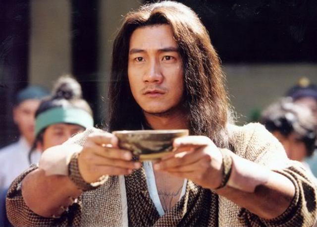 Nếu chỉ dùng Hàng Long bắn nhau, Quách Tĩnh liệu có thể đấm tay bo, chưởng tay đôi với Tiêu Phong? - Ảnh 6.