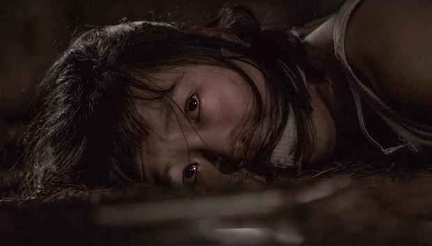 Vụ án hiếp dâm, thảm sát 10 phụ nữ từ 13 - 70 tuổi lên phim, đạo diễn Bong Joon Ho ám chỉ sát nhân tới dự cả họp báo - Ảnh 5.