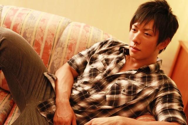 Ken Shimizu thừa nhận thực tế phũ phàng, cho rằng diễn viên nam phim 18+ bị coi khinh, đối xử tệ bạc hơn đồng nghiệp nữ - Ảnh 1.