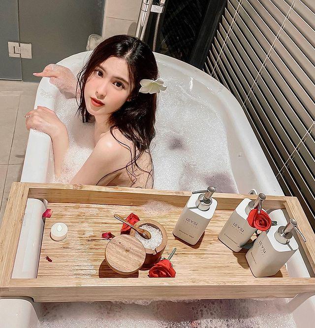 Quá xinh đẹp và gợi cảm, nàng hot girl Việt được CĐM nháo nhào xin link, bất ngờ khoe thu nhập gần trăm triệu mỗi tháng - Ảnh 7.