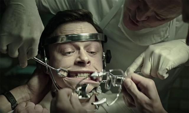 Đã kinh dị lại còn pha thêm hack não, 7 bộ phim này xứng đáng chỉ có IQ vô cực mới dám xem - Ảnh 4.