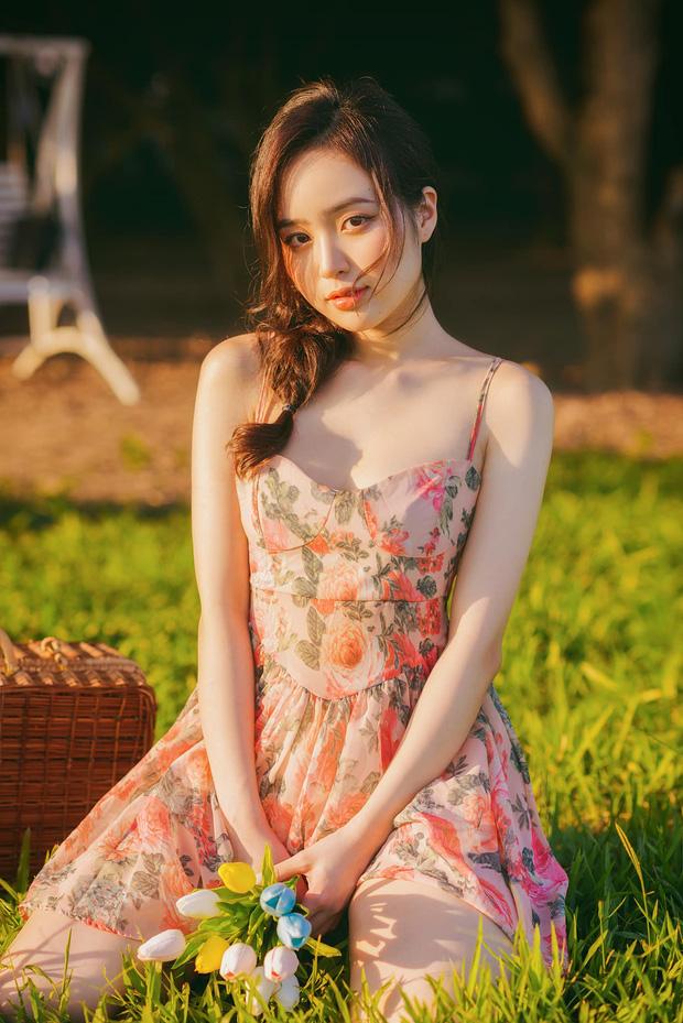 Hot girl Lê Phương Anh đang nổi đình nổi đám trên mạng là ai? - Ảnh 1.