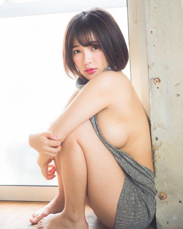 Phát động trào lưu Nhìn ngực 10 phút mỗi ngày nâng cao sức khỏe, hot girl gợi cảm tình nguyện cởi, làm gương cho CĐM - Ảnh 3.
