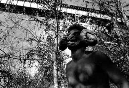 Truyền thuyết đô thị về Pope Lick, con quái vật đáng sợ khiến loài người ám ảnh - Ảnh 1.