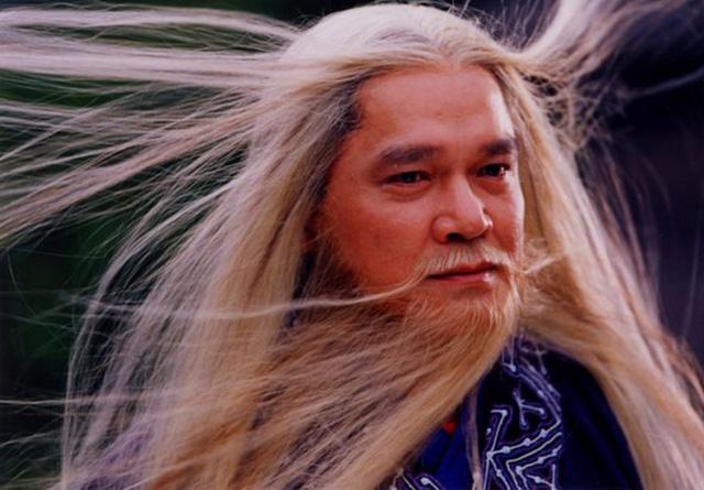 Nội lực thuộc hàng top nhưng xét về chưởng lực, Trương Vô Kỵ thực chất không có tuổi so với Tiêu Phong và Dương Quá - Ảnh 3.