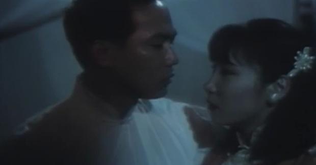Loạt cảnh nóng kinh hãi tột độ của màn ảnh Hoa ngữ: Sợ nhất là bị ma nữ, cương thi dụ dỗ lên giường - Ảnh 10.