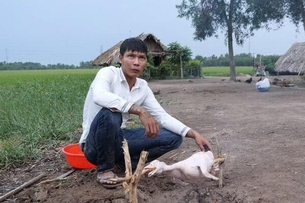 Lộc Fuho có một tuổi thơ khá cơ cực và hoàn cảnh éo le Photo-1-16300434450051702956908