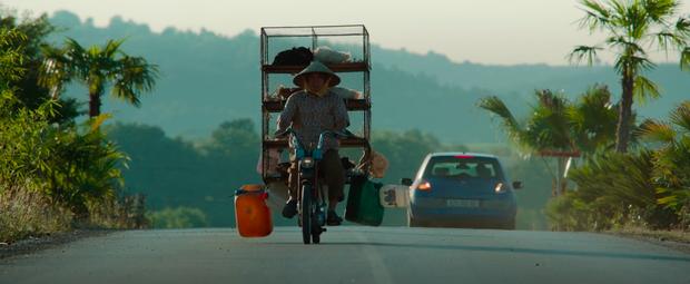 Chùm ảnh Việt Nam lên phim Hollywood về sát thủ gốc Việt: Cầu Rồng, non nước đầy thơ mộng nhưng có điểm lại rất sai! - Ảnh 8.