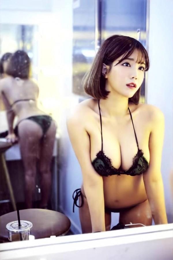 Khoe thành quả giảm cân sau nhiều tháng, nữ streamer khiến fan hâm mộ bỏng mắt, suýt tụt váy trên sóng vì gầy - Ảnh 3.