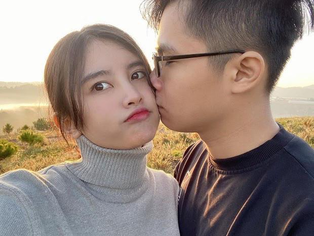 """Chẳng kém màn ảnh giải trí, làng game Việt không ít những nụ hôn """"khét lẹt ngay trên sóng - Ảnh 6."""