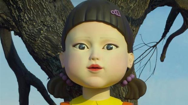 Xôn xao hậu trường nhí nhảnh của bé búp bê Squid Game, nhan sắc ngoài đời ra sao mà bị so với Shizuka? - Ảnh 1.
