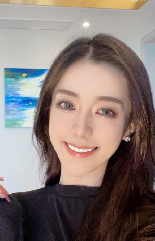 Teresa nữ streamer khiến nhiều khán giả tỏ ra bất bình Gai2-16306430517401736354826
