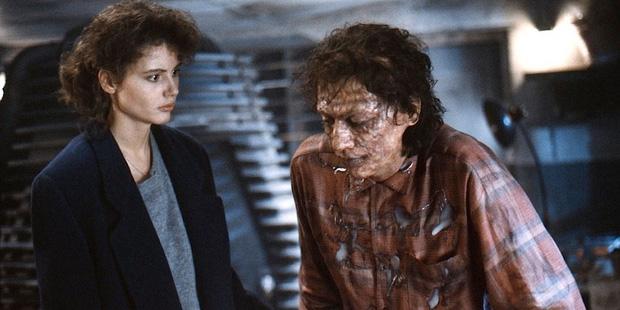 """""""Người Ruồi"""" là siêu anh hùng hay quái vật? Sau hơn 30 năm, phim kinh dị nổi tiếng này vẫn khiến khán giả thấy ghê sợ khi xem - Ảnh 2."""