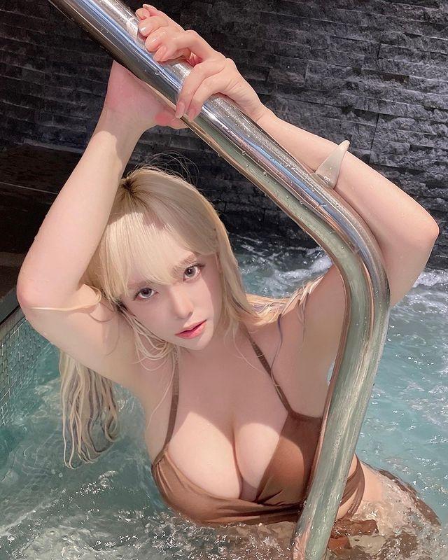 Đua theo trào lưu Squid Game, nữ streamer xinh đẹp có màn cosplay gợi cảm khó đỡ, fan rần rần ủng hộ thần tượng casting phần 2 nếu có - Ảnh 9.