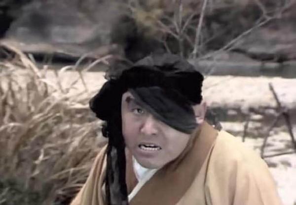 Vai tên cướp trong tập Hầu Vương hộ giá Đường Tăng (ngay sua khi hai thày trò vừa mới gặp nhau).