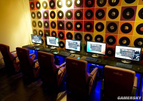 Hình ảnh một phòng chơi game được thiết kế riêng dành cho game thủ Liên Minh Huyền Thoại